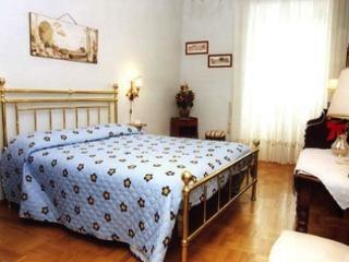 CR138 - HEART OF ROME HOUSE - Rome vacation rentals