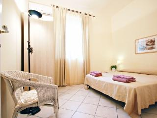 CR364 - ONLY 5 MIN WALK TO S.PETER'S BASILICA SQUARE LOVELY APARTM - Sacrofano vacation rentals