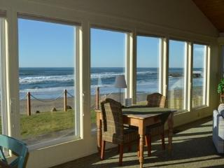 Beachcomber is a single story Arch Cape ocean front home with a Hot Tub! 4 Bedroom 3 Bath sleeps 10 - 35616 - Arch Cape vacation rentals