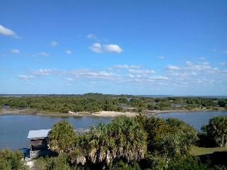 Serenity: Family Friendly Ocean View! Walk to Town - Cedar Key vacation rentals