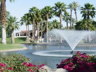 Fountain & Celebrity House - Stay Right at the Golf Course - Indio - rentals
