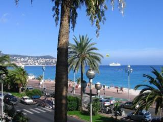 Promenade des Anglais, Nice 3 Bedroom with Sea View and Terrace - Nice vacation rentals