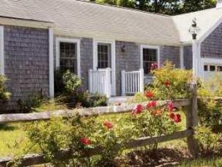 Dunecrest at Surf Side - Cute 1-Bedroom Apartment - Wellfleet vacation rentals