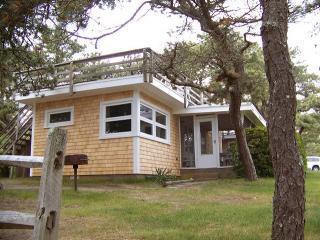 SurfRiderexterior - Surf Rider Cottage at Surf Side - Roof-top Deck - Wellfleet - rentals