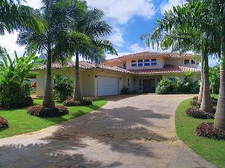 Laulea Hale: Spacious lovely 4br north shore luxury home in quiet cul-de-sac - Princeville vacation rentals