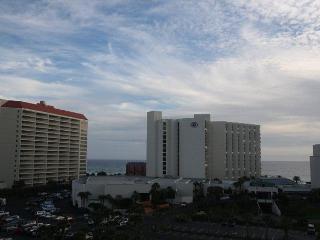 Luau 6521 Great Two Bedroom FREE Parasailing & Golf! - Miramar Beach vacation rentals