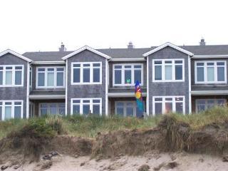PACIFIC PARADISE ~Elegant ocean front condo in town! - Rockaway Beach vacation rentals
