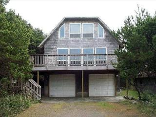 TRADEWINDS ~MCA#174~Charming beach cottage close to Nehalem Bay State Park! - Manzanita vacation rentals