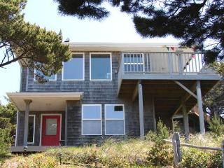 TRANQUIL TREASURE ~Enjoy Mountain and Ocean Views from this delightful home. - Manzanita vacation rentals