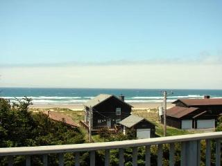 TRANQUIL TREASURE ~MCA#644~Enjoy Mountain and Ocean Views from this home. - Manzanita vacation rentals