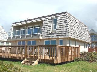 VALHALLA~Oceanfront and perfect for larger groups, reunions and retreats. - Rockaway Beach vacation rentals