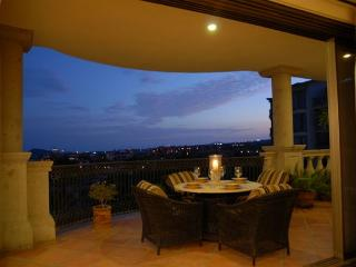 Casa Ensueno - 3BD/3.5BA Ocean View Condo, Sleeps 6, Pool & Golf - Cabo San Lucas vacation rentals