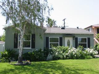 Noho Arts Rental-View of House - Charming Universal Studios/Burbank House! - Burbank - rentals