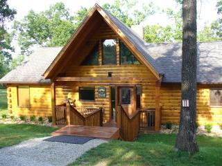 Breathtaking Branson Vacation Log cabin - Branson vacation rentals