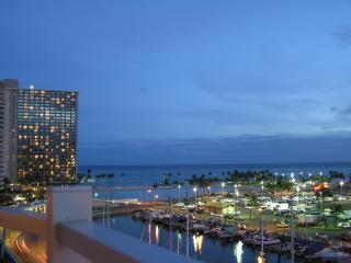 Gorgeous Condo with Internet Access and A/C - Honolulu vacation rentals