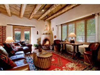 Living Area - Casa De Alma - Luxury, Ambience & Value - Santa Fe - rentals