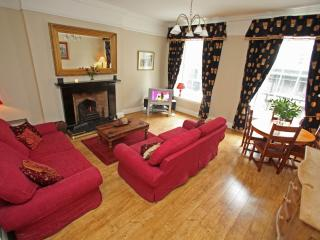 Blair St 1, just off Royal Mile - Edinburgh vacation rentals