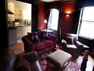 The Thistle apt, 250 metres to Princes Street - Edinburgh vacation rentals