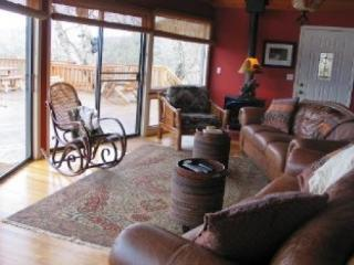 4 bedroom House with Deck in Glenville - Glenville vacation rentals