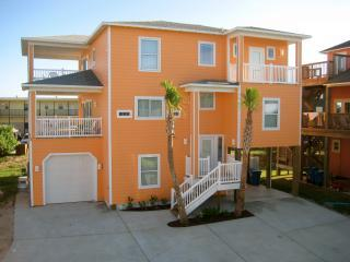 2 boardwalks, views, pool, steps from beach, 5 bdr - Port Aransas vacation rentals