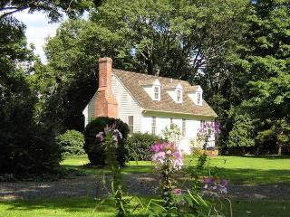 Riverfront Cottage near New Hope and Sesame Place - Yardley vacation rentals