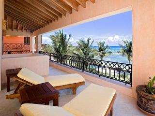 Villa Palmilla the elegance and good taste, blended with the beautiful ocean - Akumal vacation rentals