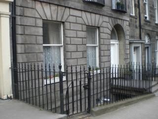 Very Central City Apartment Dublin Street : WiFi - North Berwick vacation rentals