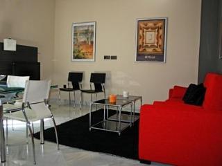 Chic 1 bedroom Apartment, centre Seville FREE WIFI - Seville vacation rentals