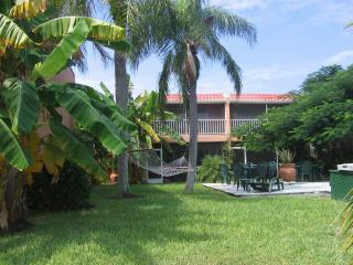 Comfortable Villa with Deck and Internet Access - Sanibel Island vacation rentals
