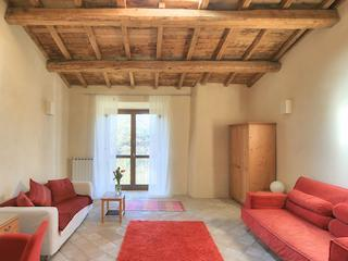 Second living room/bedroom, Casa Galilei - 16th century apartment in Rural Rome with wi-fi - Capena - rentals