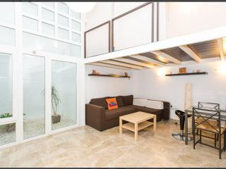 2Br Modern Loft, Wifi, Parking (Heart of Seville) - Seville vacation rentals