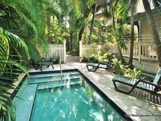 PALM ISLE - Secluded Condo With Private Hot Tub & Shared Pool in 'Old Town'. - Key West vacation rentals