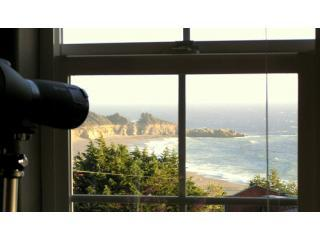Spectacular Ocean Views in a Charming Art Village - North Coast vacation rentals