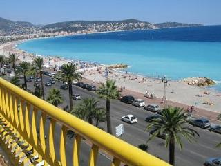 APARTMENT ON 5 TH FLOOR WITH BEST VIEWS ON THE PROMENADE  DES ANGLAIS IN NICE - Nice vacation rentals
