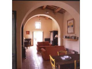Main living space of chapel - Converted chapel for two in idyllic setting - Cagli - rentals