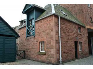 Edinburgh Cottage in City Centre + Parking + Wi-Fi - Edinburgh vacation rentals