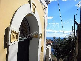 Nice 2 bedroom Praiano House with Deck - Praiano vacation rentals