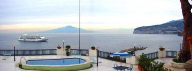 Villa Azzurra B - Image 1 - Sorrento - rentals