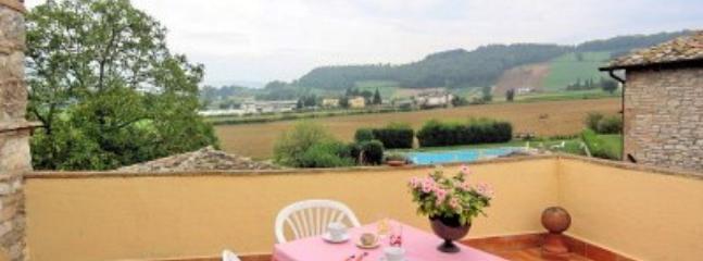 Villa Pavone A - Image 1 - Montone - rentals