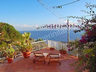 Bright 3 bedroom House in Marina del Cantone - Marina del Cantone vacation rentals