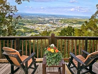 EAGLE'S VIEW! Amazing 100 Mile Mountain/City View - Pigeon Forge vacation rentals