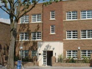 Four Star Quality apartment in Ealing London W5 - London vacation rentals
