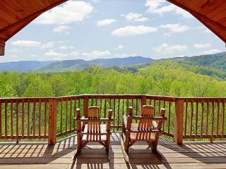 Private 1 bedroom with beautiful views of the Great Smoky Mountains! - Gatlinburg vacation rentals