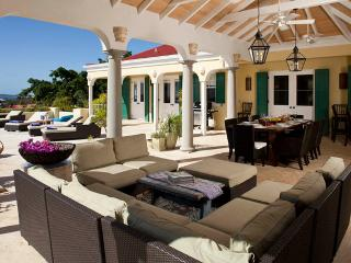 Perfect Villa with A/C and Shared Outdoor Pool in Maria Bluff - Maria Bluff vacation rentals