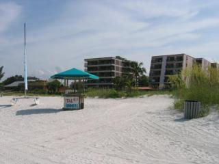 On The Beach THANKSGIVG Wk.AVAIL Everyday's A Beac - Saint Pete Beach vacation rentals