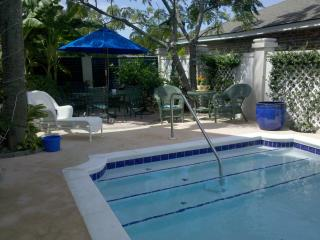 """The Fiddler"" Sleeps 2 or 4, walk to beach & pool - Tybee Island vacation rentals"
