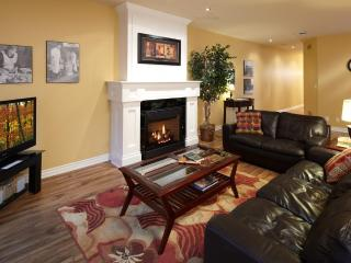 Boutique 2 Bedrm huge historic loft, steps to all - Niagara-on-the-Lake vacation rentals