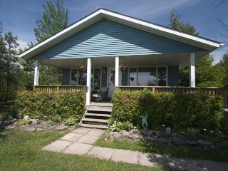 2 bedroom Cottage with Deck in Sauble Beach - Sauble Beach vacation rentals
