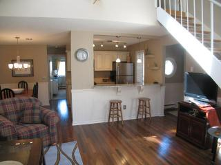 Ocean Edge Townhouse with King Bed, A/C & Pool (fees apply) - HO0299 - Brewster vacation rentals