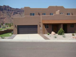 SG1 | LUXURIOUS MOAB CONDO, YET VERY AFFORDABLE! - Moab vacation rentals